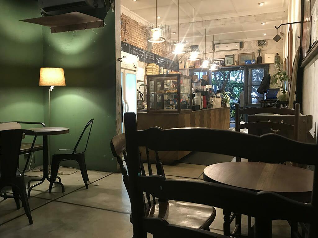 バンドンのカフェ「Bluedoors」