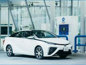 トヨタの水素自動車とステーション