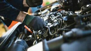 エンジン整備のイメージ