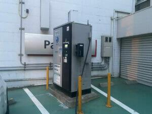 三菱の充電ステーション