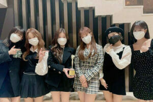 KF94マスクを着用した韓国アイドル