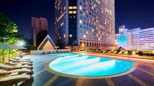 品川プリンスホテルのナイトプール
